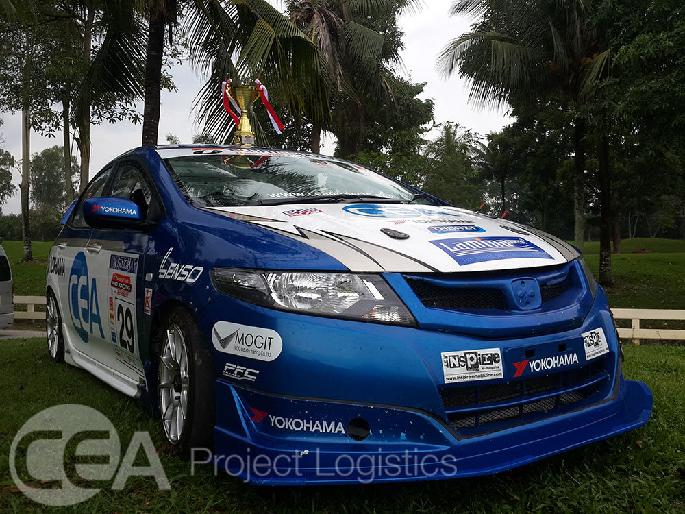 Full image of the CEA Racing car Honda city