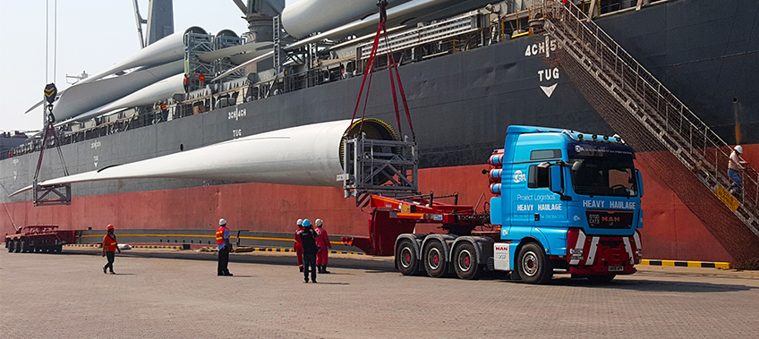 CEA Project Logistics Prime mover arrives at Laem Chabang Port with wind turbine blade heavy transportation