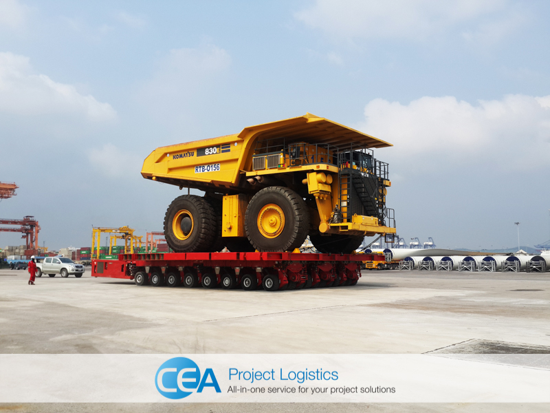 shot of Komatsu Truck on SPMT - CEA Project Logistics Free Trade Zone