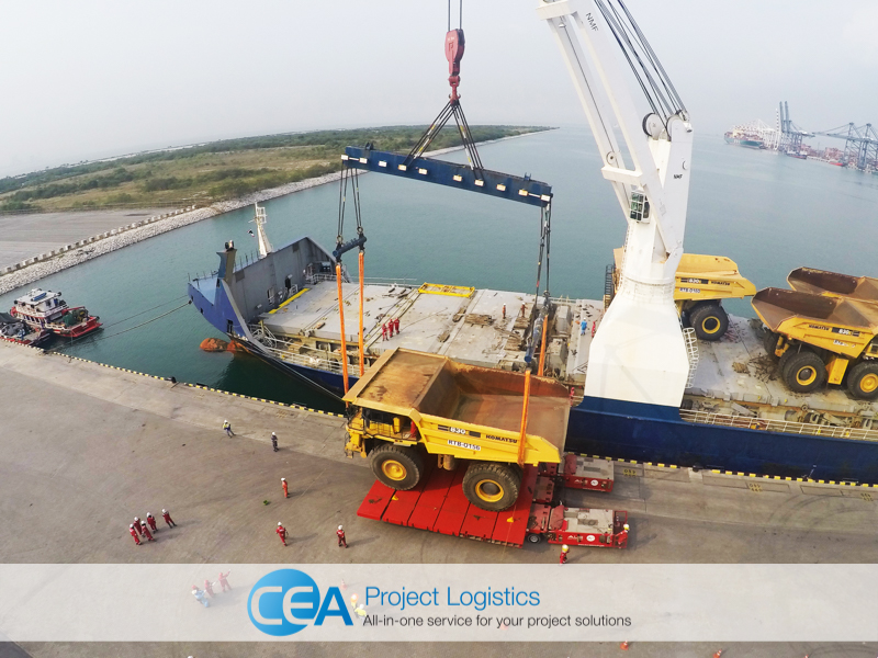 Komatsu Truck being unloaded from ship at Laem Chabang Port CEA Project Logistics