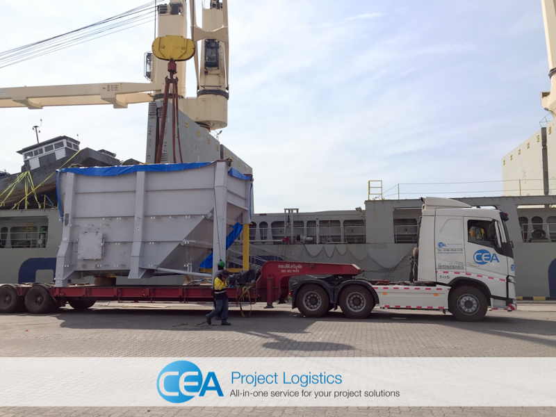 CEA Prime Mover with low bed trailer arrives at port with breakbulk cargo