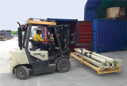 Forklift container stuffing cargo after Demobilisation