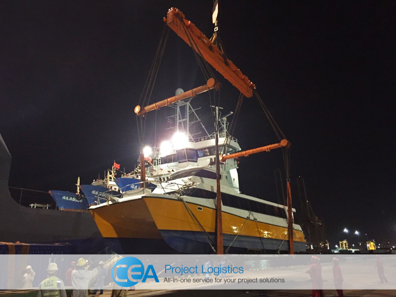 Catamaran being lifted from the port - CEA Logistics Transport and export project