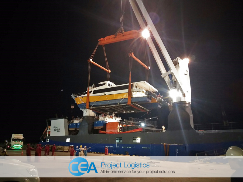 Ferry being lifted from the port - CEA Logistics Transport and export project